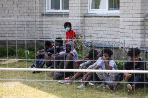 E. Dobrovolska: nepaprastosios padėties įvedimas nesuteiktų teisės prieš migrantus naudoti fizinę jėgą