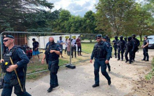 """Į Lietuvą atvyko 60 papildomų """"Frontex"""" pareigūnų, padėsiančių valdyti migrantų krizę"""