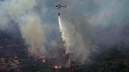 Sardinijoje milžiniški gaisrai pražudė tūkstančius gyvūnų, 1500 žmonių evakuota (vaizdo įrašas)