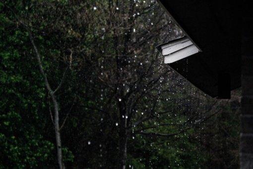 Pirmadienis bus lietingas, oras atvės