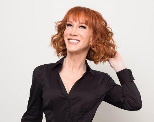 JAV komikė Kathy Griffin prisipažino serganti plaučių vėžiu