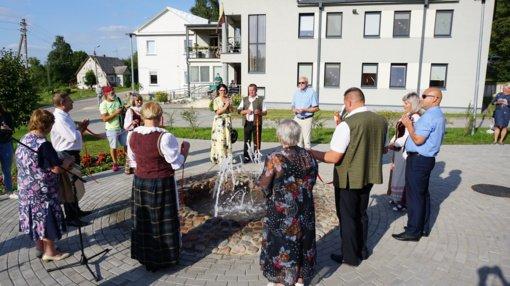 Želvos miestelį papuošė trykštantis fontanas