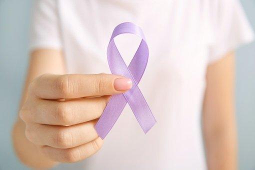 Vėžio diagnozė nebėra nuosprendis, bet gyvenimo pagrindą supurto