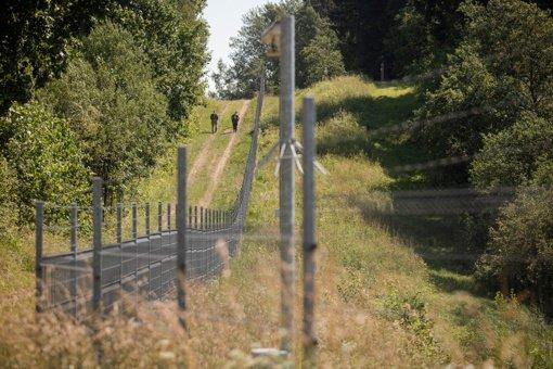 Vyriausybė pritarė projektams dėl didesnių įgaliojimų kariams, paketas keliauja į Seimą