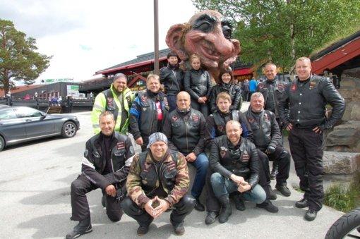 Baikeriai – kur kas daugiau nei galingi motociklai ir odinės liemenės
