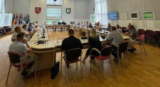 Šilutės rajono savivaldybės tarybos nariai ragina nebūti abejingais
