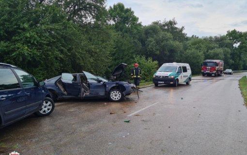 Savaitgalį per eismo įvykius aukų išvengta, sužeista 40 asmenų