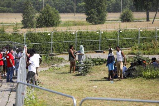 Vyriausybė neteiks Seimui siūlymo dėl neterminuoto migrantų sulaikymo