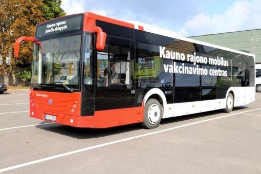 Kauno rajone darbą pradeda skiepų autobusas
