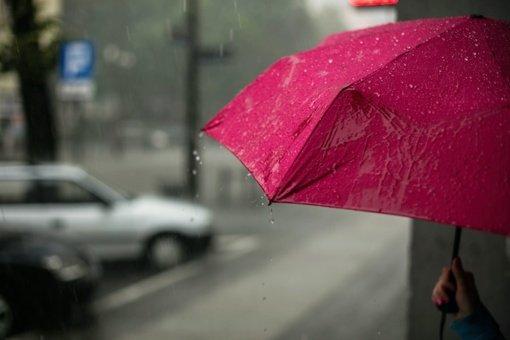 Orai: prireiks skėčių ir šiltesnių rūbų