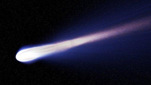 Artėjanti gigantiška kometa gali patekti į rekordų knygas