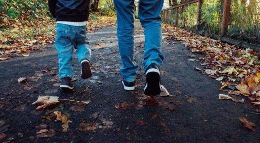 Ortopedas traumatologas: pasivaikščiojimas lauke su nepatogia avalyne gali pasibaigti rimtomis čiurnos traumomis