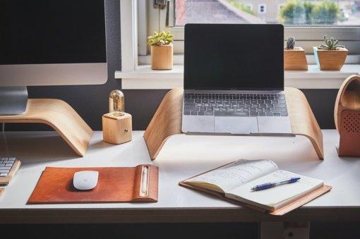 Patarė, kaip įrengti praktišką ir jaukią darbo vietą namuose: tereikia atlikti 10 žingsnių