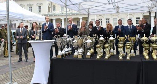 Jubiliejinis ralis užbaigtas iškilmingais apdovanojimais Lietuvos Respublikos Prezidentūroje