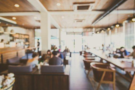 SAM: galimybių paso neturintiems klientams kavinės galės duoti maisto išsinešti