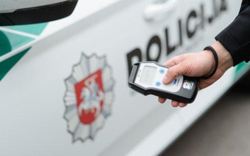 Pareigūnai nutraukė girto vairuotojo pasivažinėjimą po Surviliškių miestelį