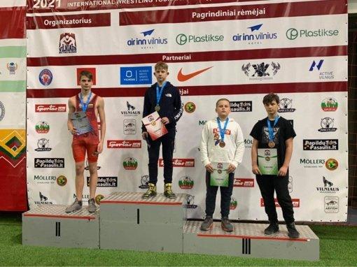 Jaunieji Panevėžio sporto centro imtynininkai pasidabino medaliais