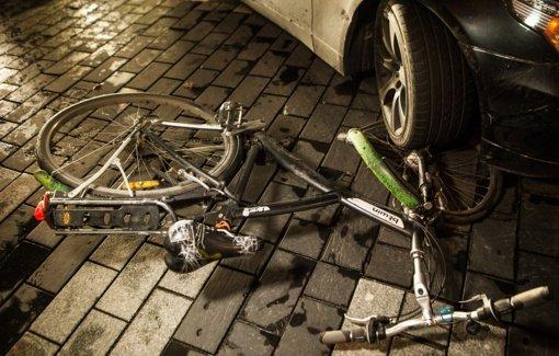 Anykščiuose susidūręs su automobiliu žuvo dviračio vairuotojas