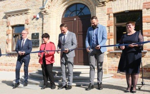 Buvusi Alytaus sinagoga atvėrė duris kaip meno, kūrybos, atminties ir bendrystės erdvė