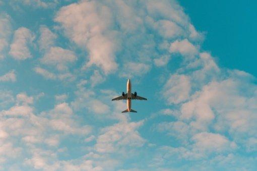 Keleivių srautas Lietuvos oro uostuose vasarą išaugo daugiau nei dukart