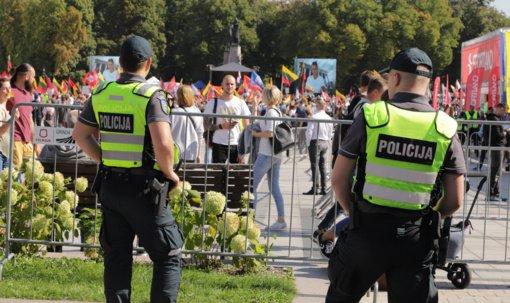 """Svarbiausi penktadienio įvykiai: mitingas, Seimo sesija, """"Zapad"""" pradžia"""