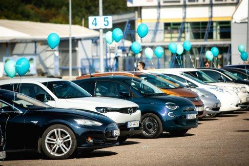Naujas Lietuvos rekordas – vienoje vietoje daugiausiai elektromobilių