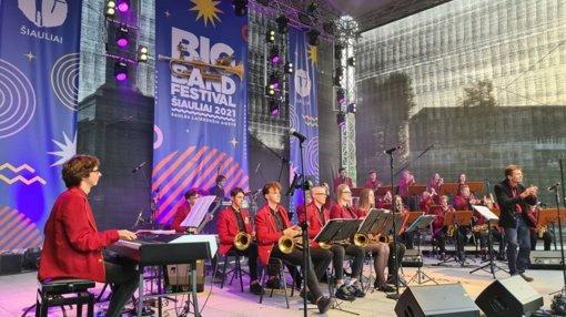 """Saulės laikrodžio aikštėje – 12-asis tarptautinis festivalis """"Big Band Festival Šiauliai 2021"""""""