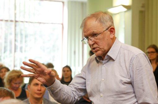 Dėl klaidos vadovėlyje vaikams socialdemokratai kreipėsi į ministeriją: faktai apie A. Smetoną yra iškraipyti