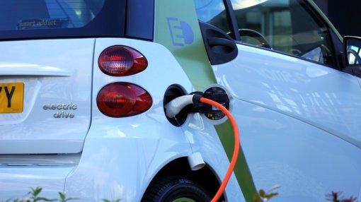 Ministras M. Skuodis: per trejus metus elektromobilių įkrovimo prieigų Lietuvoje padaugės daugiau kaip 10 kartų