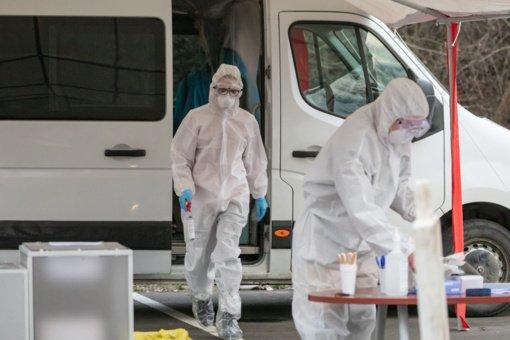 Susirgimų daugėja: Lietuvoje nustatyta 1300 naujų koronaviruso atvejų, mirė 8 sirgusieji