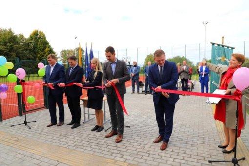 Atidarytas Babtų gimnazijos sporto aikštynas
