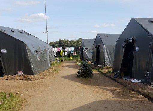 Švendubrėje veikusi palapinių stovykla liko tuščia – migrantai iškelti į stacionarias patalpas