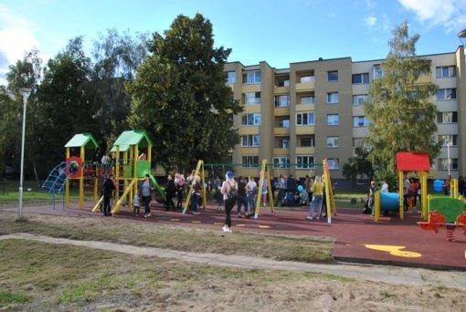 Atnaujintos vaikų žaidimų aikštelės Melioratorių aikštėje