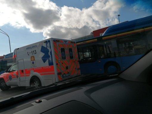 Klaipėdoje per dviejų autobusų avariją nukentėjo penki žmonės