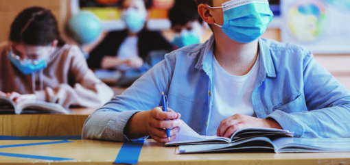 Rajono švietimo įstaigose pandemija jau šoka kadrilį