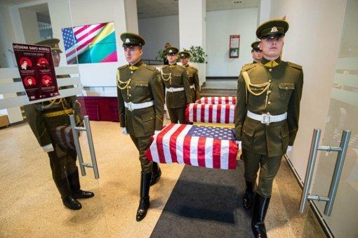 JAV perduoti Lietuvoje rasti II-ojo pasaulinio karo amerikiečių karių palaikai