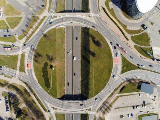 Dyzeliniai automobiliai miesto orą teršia tris kartus daugiau už normą, sunkieji – net keliolika