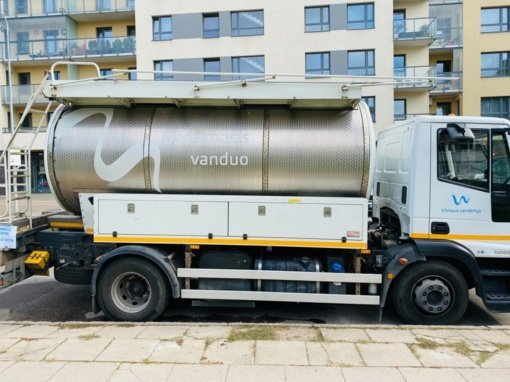 """""""Vilniaus vandenys"""" papildomai skirs 300 tūkstančių eurų vandens tinklų išplovimui Naujamiestyje"""