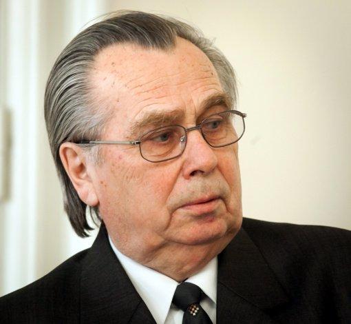 Mirė buvęs ministras Algirdas Vapšys