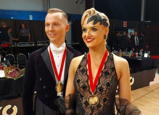 E. ir I. Sodeikos antrą kartą tapo pasaulio standartinių šokių čempionais