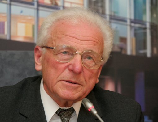 Mirė fizikos mokslui gyvenimą paskyręs akademikas Kęstutis Makariūnas