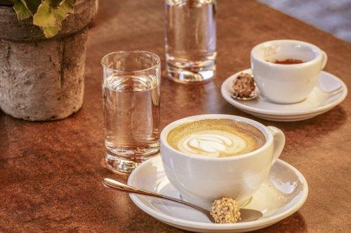 Siūloma įpareigoti restoranus ir kavines nemokamai pavaišinti klientus geriamuoju vandeniu