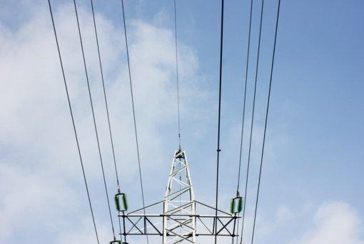 Išlieka maža elektros kainos atoslūgio tikimybė: gali išsilaikyti ir 18 mėnesių