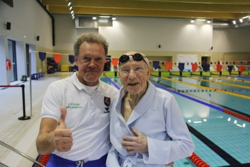 Druskininkų baseine – rekordiniai rezultatai ir 96 metų plaukiko medaliai