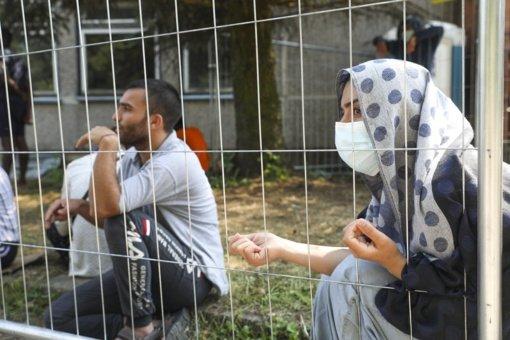 Neteisėtų migrantų šeimos iš Kazitiškio perkeliamos į Ruklą