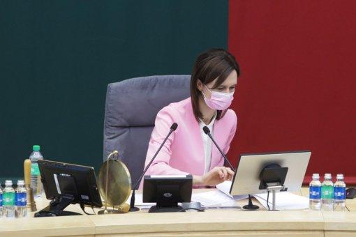 Seimo pirmininkė: gali tekti grąžinti karantiną