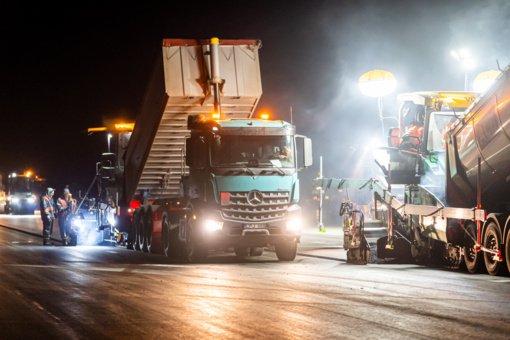 Palangos oro uosto rekonstrukcijoje baigti kilimo-tūpimo tako asfaltavimo darbai