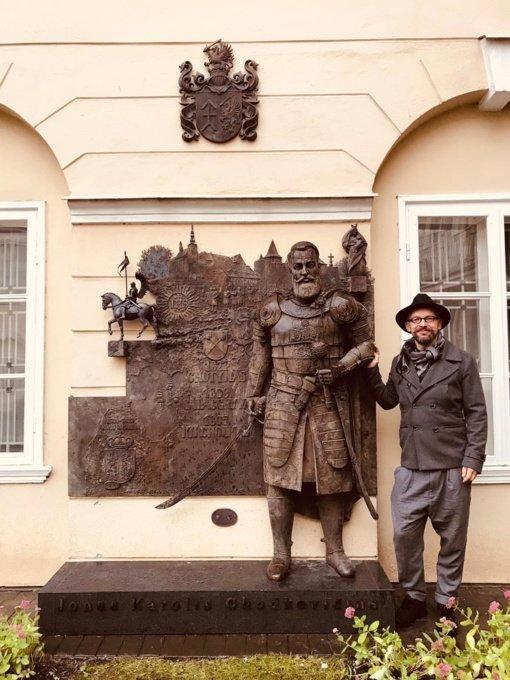 Vilniuje atidengtas paminklas Jonui Karoliui Chodkevičiui
