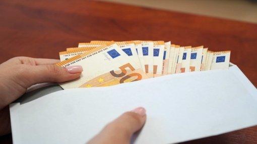 Nuo finansinių sukčių nukentėjusi bendrovė neteko beveik 129 tūkst. eurų