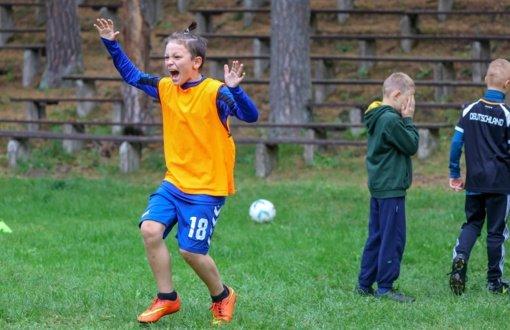 Dainuvos slėnyje surengtas mokinių futbolo turnyras